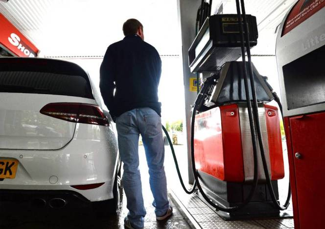 Rising fuel prices adversely affecting UK businesses, industry warns