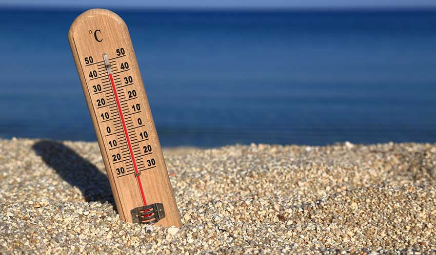 Keep workplaces cool during heatwave, TUC urgesemployers